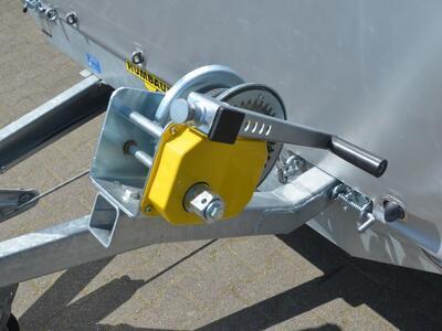 Humbaur Universal 3000 Aluboden und Plane mit Rollo hinten
