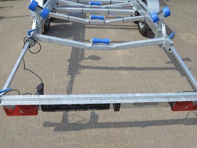Vlemmix Bootstrailer 2700 Kg Bootslänge bis 8000 mm