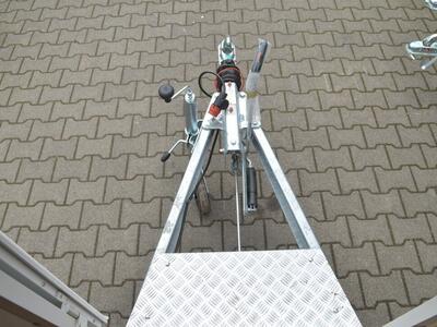 Blyss Verkaufsanhänger Teilmöbliert H13302HG