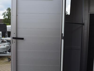 Humbaur Notos Alu 2400 Silber Frontausstieg