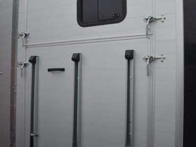 Humbaur Notos Xtra Pro 2700 Kg Black Frontausstieg