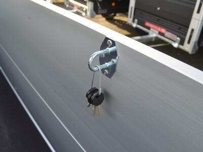 Humbaur HA 2030 15 Alu mit Bordwandaufsatz und Deckel